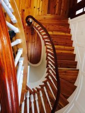 Brightleaf Curved Staircase 29